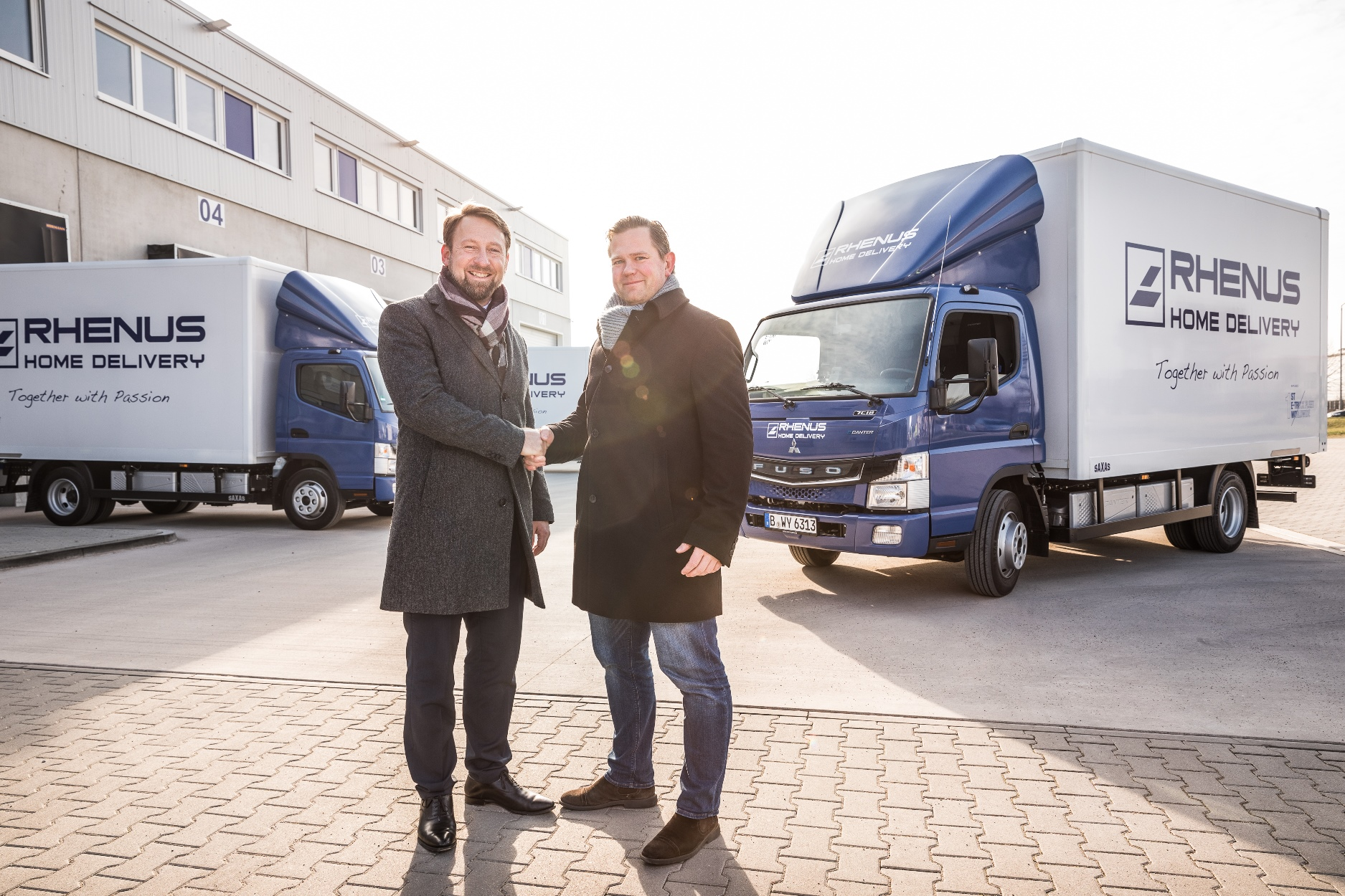 gr ne fahrt neueste elektro lkw der daimler flotte rhenus logistics. Black Bedroom Furniture Sets. Home Design Ideas